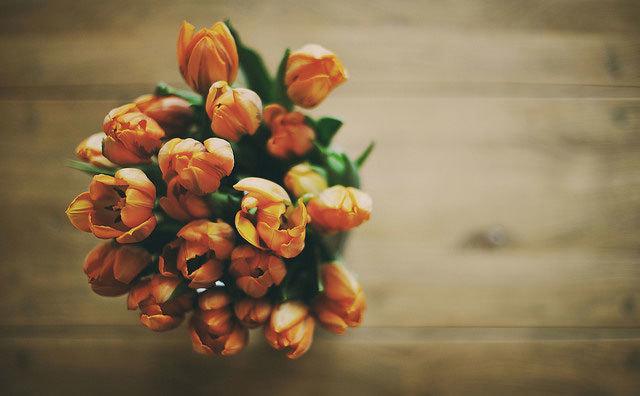 букет оранжевых тюльпанов фото